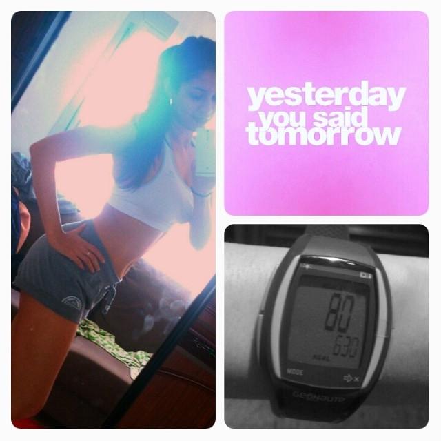 Feliz lunes a tod@s! Bueno, yo ya empecé a quemar lad calorías que me comí en mi (freeday) así le llamo yo al día en que puedo comer de todo en la semana! Permitirme ese día en la semana es lo q me llevó a perder ya más de 11kg! Y bueno, yo desde aquí le mando mucha energía a todos lo que dicen: el lunes voy a comenzar! Mucha fuerza! #motivación #insanity #t25 #fitness #workout #vidasaludable #ejercicios #lunes #inspiracion #postressaludables. #comidasana. #healthyfood #metas #retos #propósitos #entusiastas #opercionverano